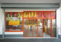 Keroll Kerger Galerie Rollgitter Supermarkt im Kasten